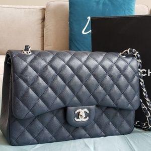 d4a493ccc7ecd4 Jumbo navy blue Chanel cavalier handbag